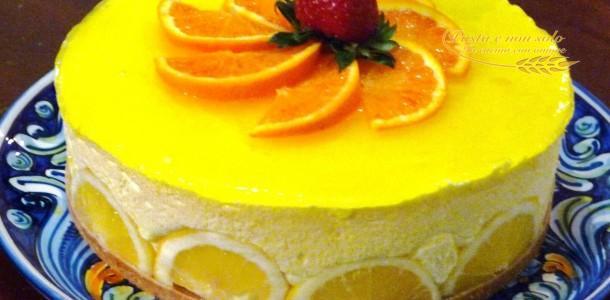 Torta Fredda Al Limone Decorazione Con Fette Di Limone