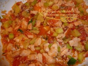 Pennette al salmone fresco, zucchine e pomodorini
