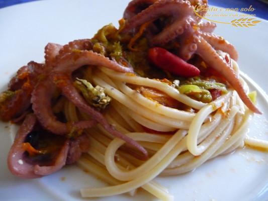 spaghetti moscardini e fiori di zucca