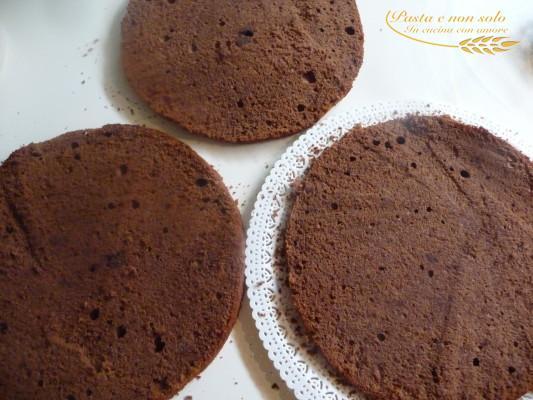 Torta multistrato al cioccolato