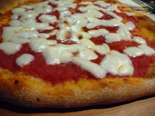 Pizza con il lievito madre