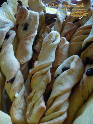 Frustine di semola con olive