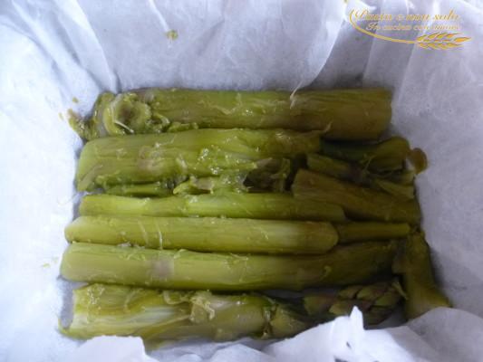Tortino di asparagi con burro aromatizzato