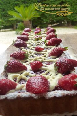 Crostata di fragole e cioccolato bianco