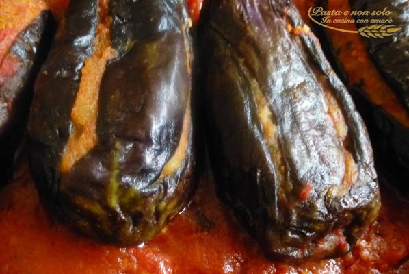 milangiane 'mbuttunate (melanzane farcite)