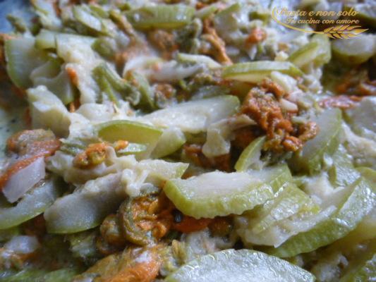 tortino di zucchine, fiori di zucca e pecorino