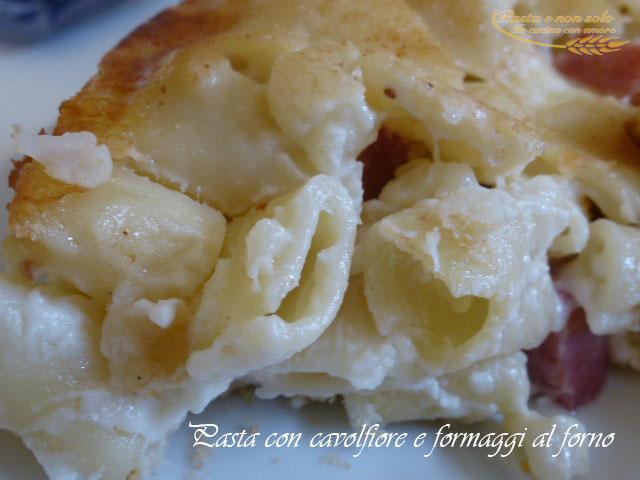 pasta con cavolfiore e formaggi al forno1