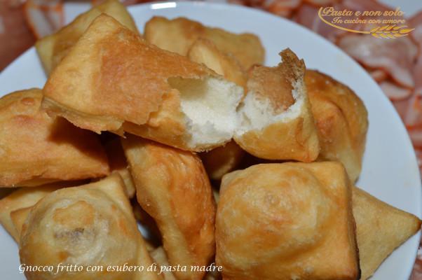 gnocco fritto con esubero di pasta madre