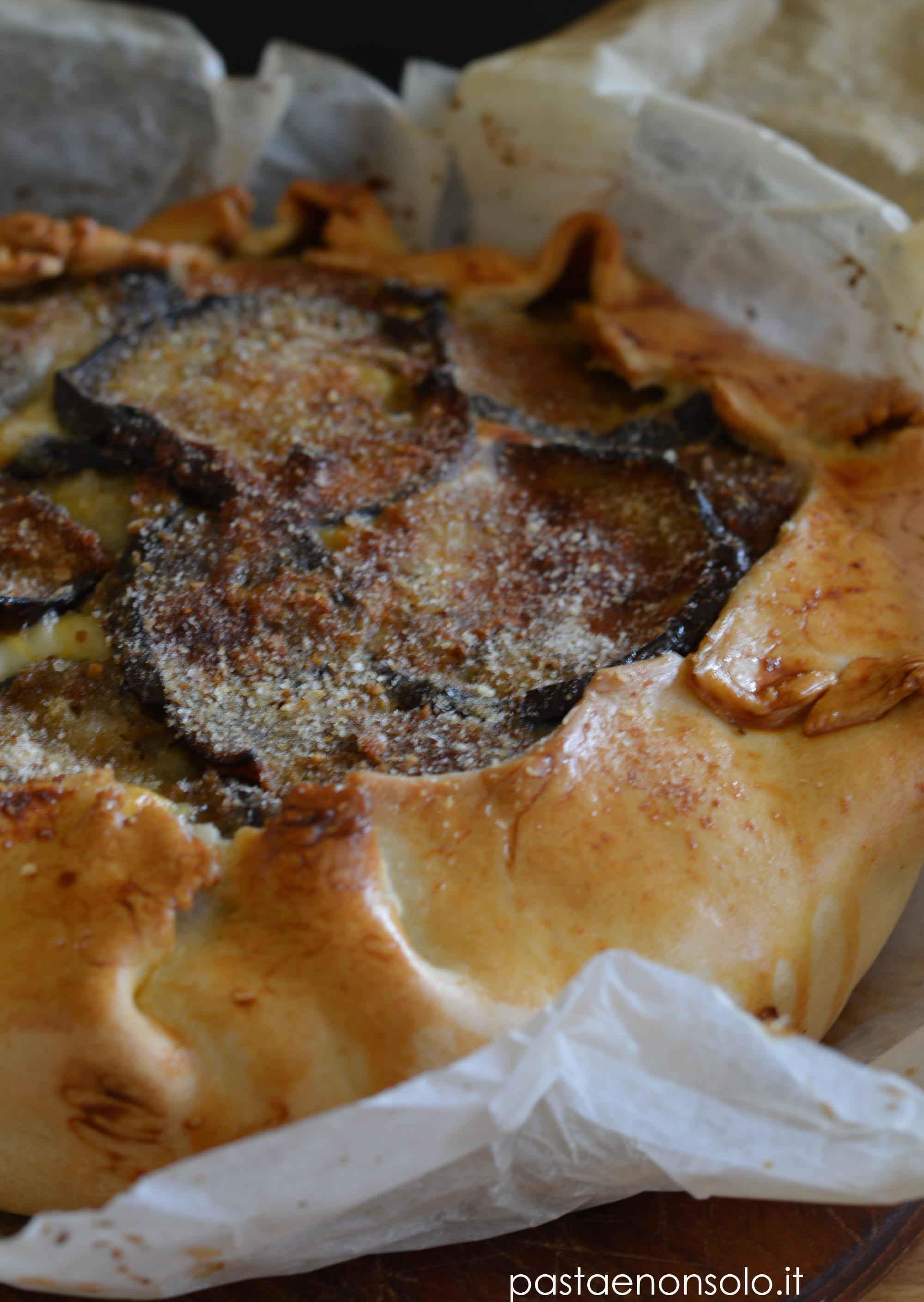 Torta rustica di melanzane e formaggi