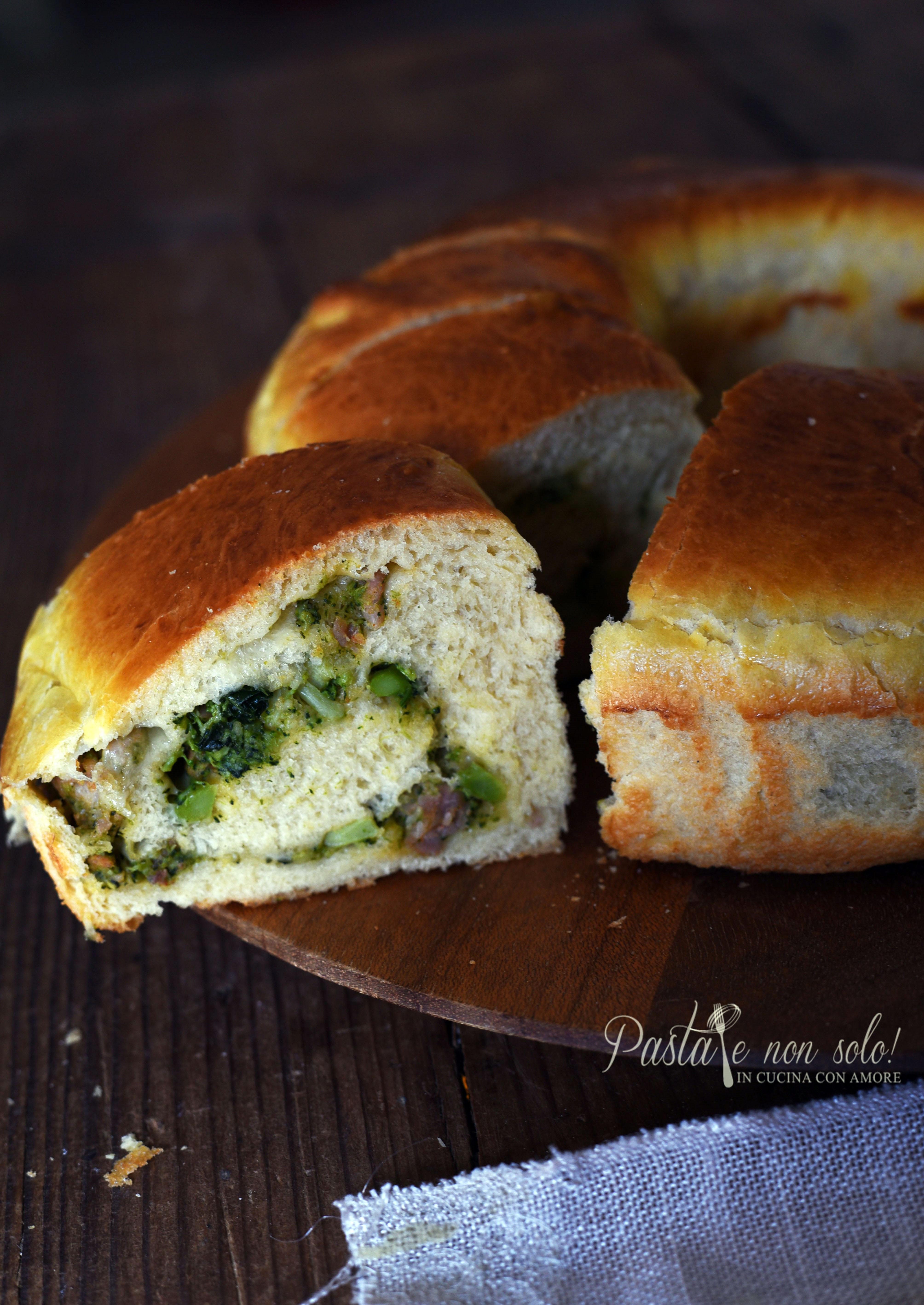 pan brioche al latte di soia ripieno di broccoli e salsiccia fresca