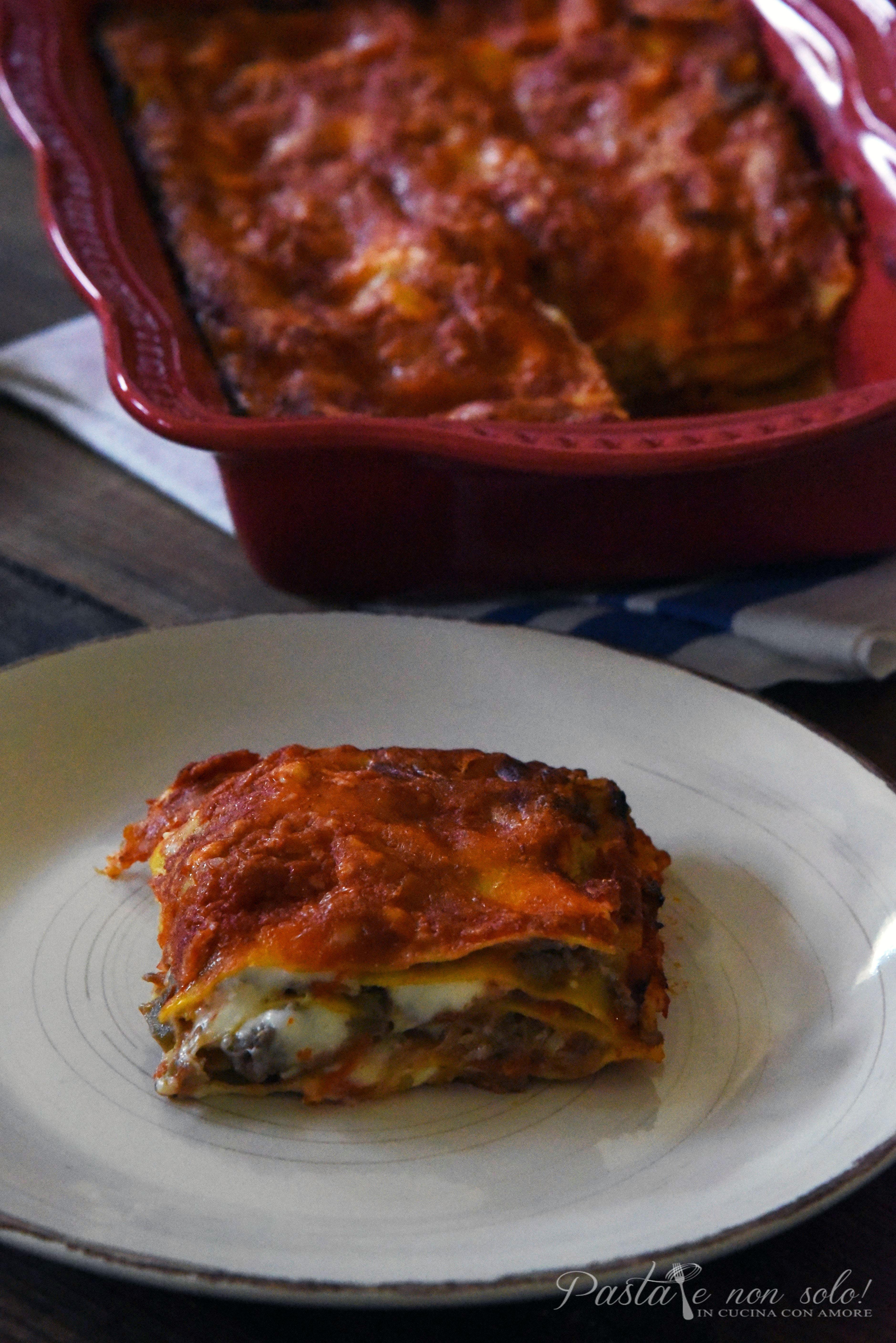 lasagna con polpa di melanzana carne e salsiccia