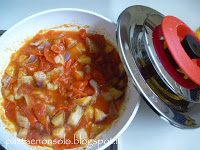 Gnocchi di ricotta e basilico con sugo di melanzana