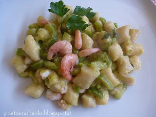 Gnocchetti all'acqua con zucchine e gamberi