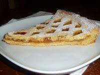Crostata di mela e marmellata di albicocche
