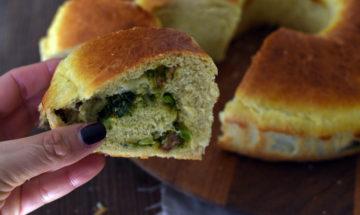 pan brioche con latte di soia ripieno di broccoli e salsiccia fresca